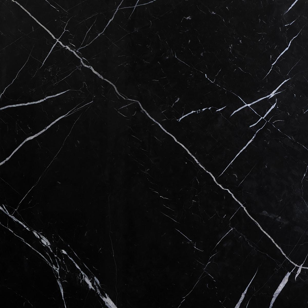 אבן שחורה נרומקווינה